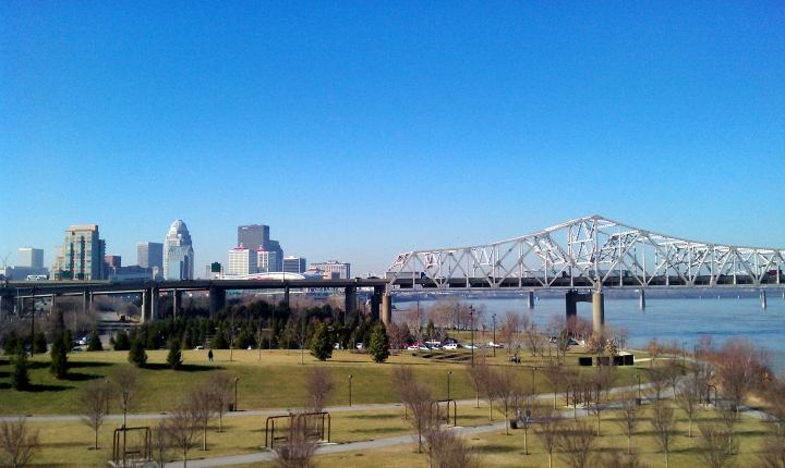 A view of downtown Louisville, KY and Waterfront Park