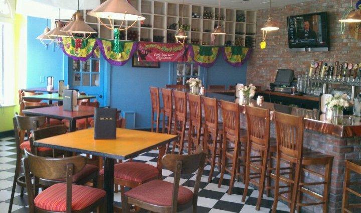 photo: cafe lou lou highlands